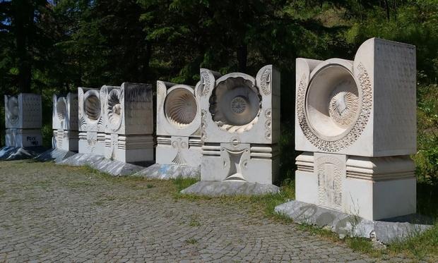 spomenik1_resize