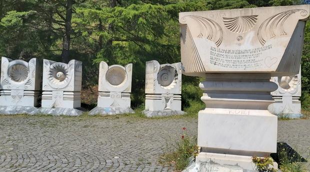 spomenik2_resize
