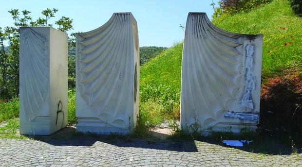 spomenik5_resize