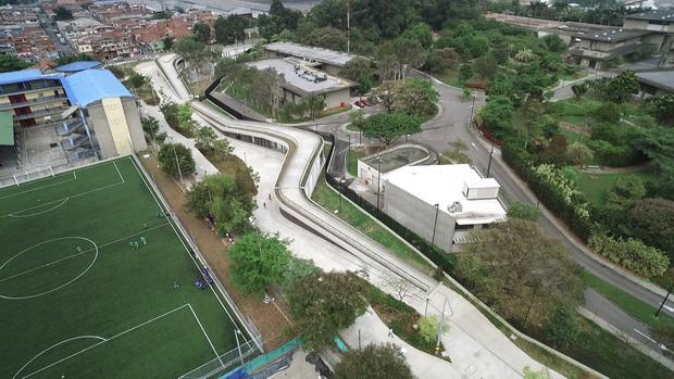 Како Меделин ги претвори старите резервоари за вода во јавни паркови