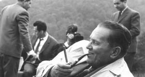 Фотографот кому Тито со задоволство му позирал