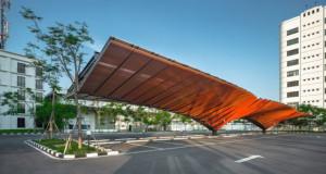 Паркинг во облик на крилја кој промовира зелена градба