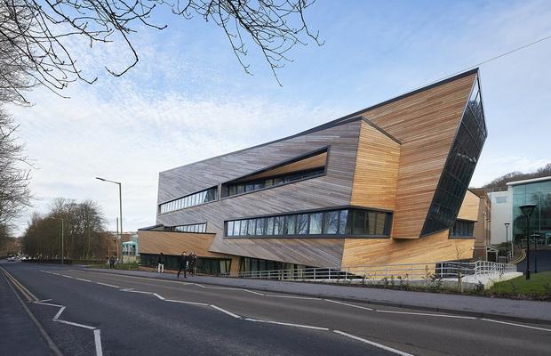 Универзитетски центар за физика на Studio Libeskind