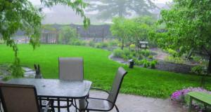 Градината во услови на летен, пороен дожд