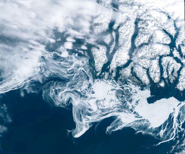 Огромно парче мраз се одвои од Гренланд, експертите предупредуваат на катастрофа