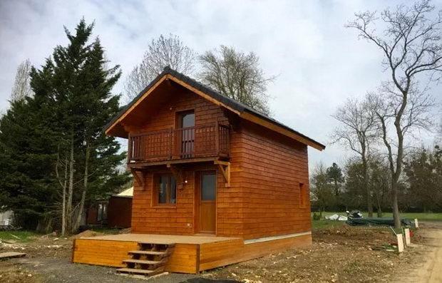 Куќа од дрвена тула што може лесно да се состави за неколку дена