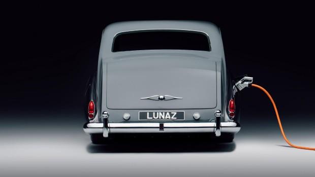 lunaz1