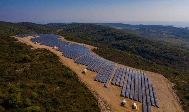 На островот Вис отворена најголемата соларана електрана во Хрватска