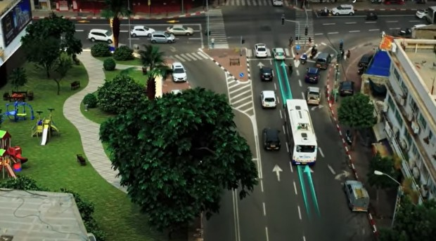 """Тел Авив ќе стане првиот град со патишта кои """"ги полнат"""" електричните возила"""