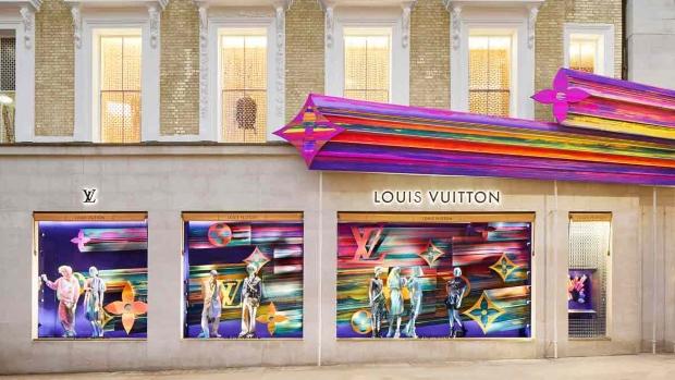 Продавница на Louis Vuitton која предизвикува среќа