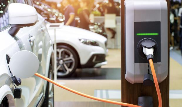 Преминот на Кина на електричен превоз, ќе стави крај на ерата на нафтата?