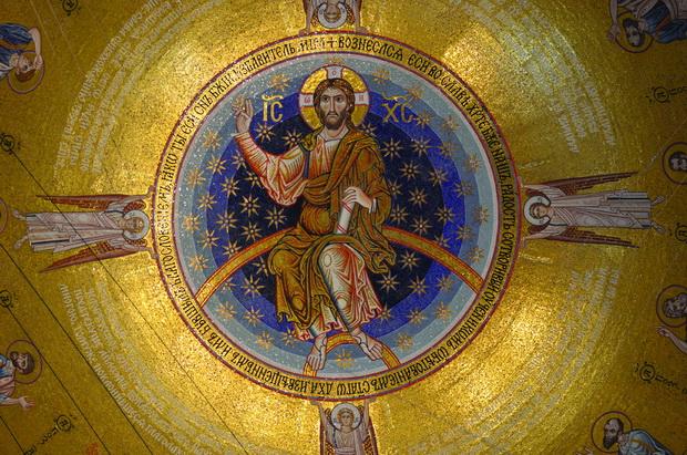 """Фасцинантни мозаици во храмот """"Свети Сава"""" во Белград"""