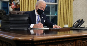 Џо Бајден ги враќа САД во Парискиот договор за климата