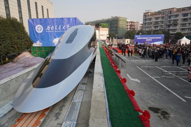 Овој кинески воз е најбрзото копнено возило на светот