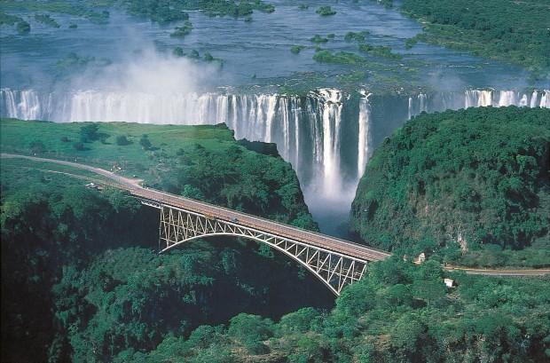 Неколку прекрасни мостови кои спојуваат различни држави