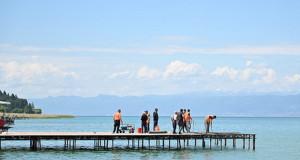 Се уриваат платформите на најатрактивните плажи во Охрид