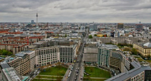 Сите нови згради во Берлин, од 2023 ќе мора да имаат соларни покриви