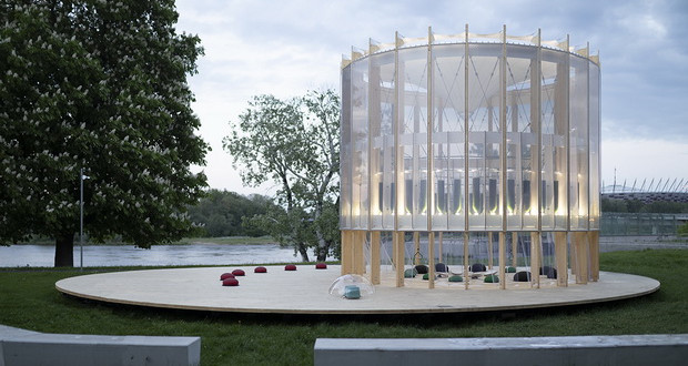 AirBubble е интерактивно игралиште во Варшава кое го прочистува воздухот