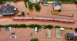 Германија и Белгија ги бројат жртвите: Дали лошото просторно планирање придонесе за катастрофата?