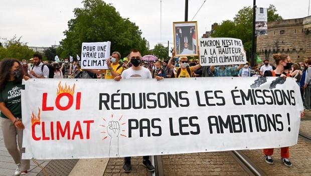 Францускиот парламент го усвои законот за климата, еколошките активисти незадоволни
