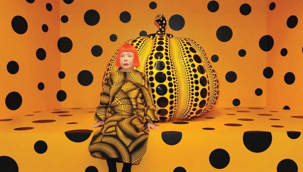 Фасцинацијата на Yayoi Kusama од природата е клучна за да се разбере нејзината уметност