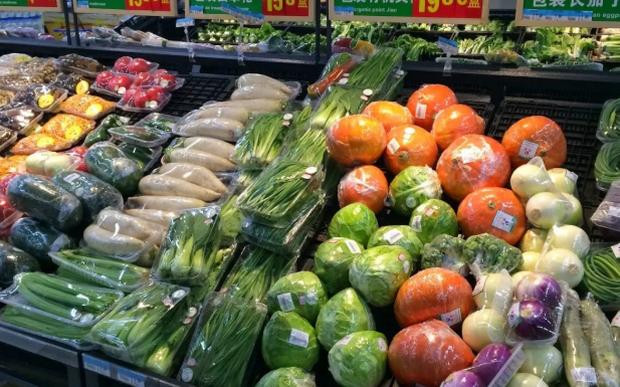 Во Франција се забранува пластично пакување за овошје и зеленчук
