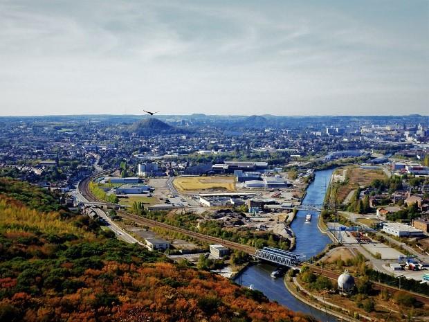 Charleroi – најгрдиот град на светот, го сврте во своја полза негативниот публицитет