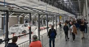 """Отворена """"гига фабриката"""" на Tesla во Германија: 10.000 вработувања"""