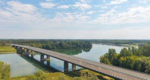 """Пуштен во сообраќај мостот """"Свилај"""" кој ги поврзува Хрватска и Босна и Херцеговина"""
